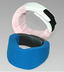 Danmar Swirl Support, promotes easy head movement from side to side and features soft foam which wraps around the neck and has a velcro adjustment at the back that makes fitting a breeze.